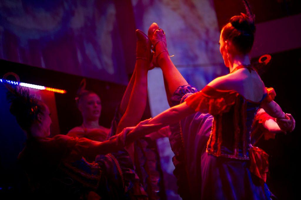 sydney showboat cabaret