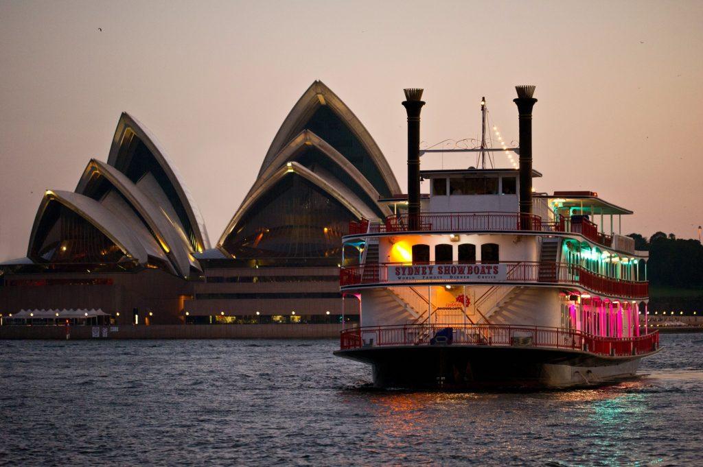 sydney showboats dinner cruise