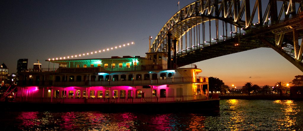 Dinner Cruise with Live Show on Paddlewheeler