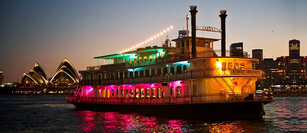 Harbour cruise dinner